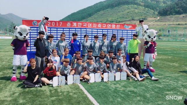 여자 축구부 준우승3.JPG